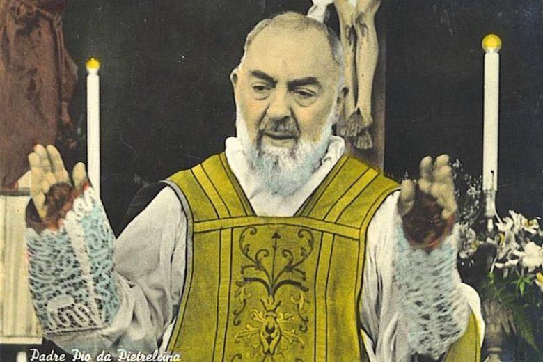 Mashahidi wameona Yesu mchanga mikononi mwa Padre Pio