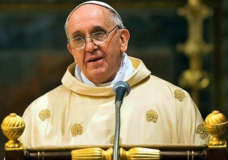 دوه بدترین ګناهونه چې تاسو یې هره ورځ د پوپ فرانسس لپاره کوئ