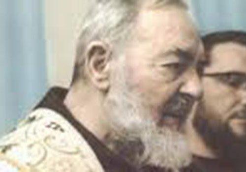 """Ozi gara aga: ọ na-eteta site na ajọ ụra """"A hụrụ m Padre Pio n'akụkụ ihe ndina m"""""""