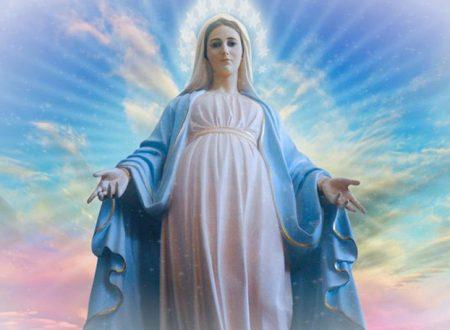 La consacrazione da recitare ogni giorno per ottenere la protezione della Madonna