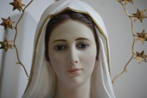 Una devozione breve ma molto efficace per invocare la Madonna e chiedere una grazia