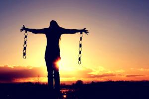 Liberami dal male Signore! 6 Preghiere potenti per uscire dal tunnel del maligno
