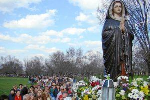 Una straordinaria promessa che ci evita le fiamme del Purgatorio rivelata dalla Madonna