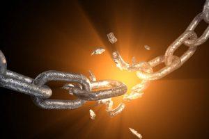 La preghiera che distrugge la maldicenza, invidia, le malelingue e allontana ogni negatività