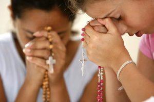 Giaculatorie potenti da recitare contro Satana e allontanare lo spirito del male