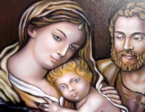 """Questa coroncina è molto efficace per chiedere """"aiuto e Provvidenza"""" alla Santa Famiglia"""
