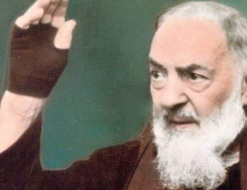 """Naples tiri mkpu na ọrụ ebube Padre Pio: """"n'ime ụlọ ịwa ahụrụ m, mọnk dị nso"""""""