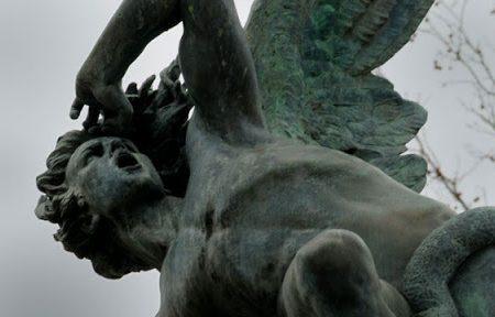 Satana durante un esorcismo ci dice quale preghiera teme di più e perchè…