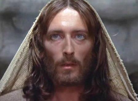La consacrazione da recitare ogni giorno per ottenere la protezione di Gesù