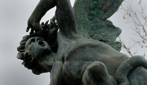 La preghiera che teme di più il demonio e ce lo svela in un esorcismo