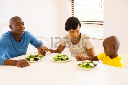 Preghiera potente da recitare in famiglia per ottenere la liberazione