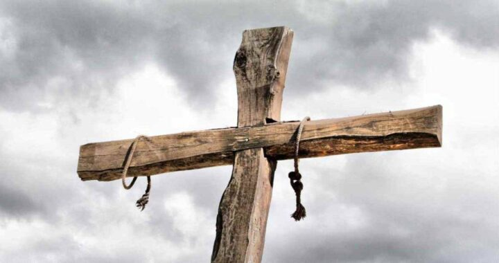 Jam semangat: pengabdian yang sangat kuat kepada Yesus yang disalibkan