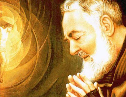 Kujitolea kwa Watakatifu: wazo la Padre Pio leo Novemba 25