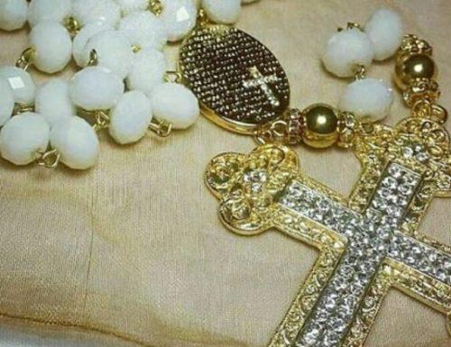 Devozione al Santo Rosario: pregare Maria per curare il labirinto del nostro egoismo