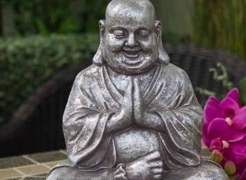 Perché i buddisti evitano l'attaccamento?