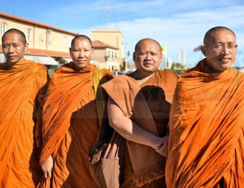 Offerte di cibo nel buddismo