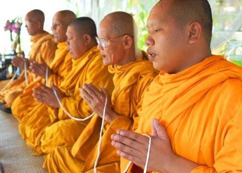 Mondo Religione: La perfezione buddista del dare
