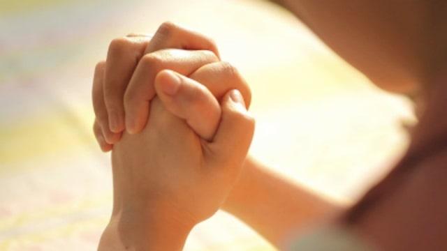 Risultato immagini per pregare