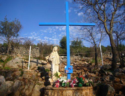 Our Lady di Medjugorje memberitahu anda betapa pentingnya Misa dan Ekaristi