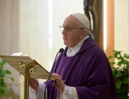 Per le persone che viene ordinato di restare a casa: il papa chiede aiuto ai senzatetto