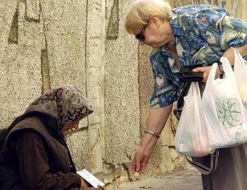 L'elemosina non consiste solo nel dare denaro