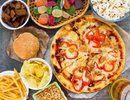 11 alimenti da evitare quando si cerca di perdere peso