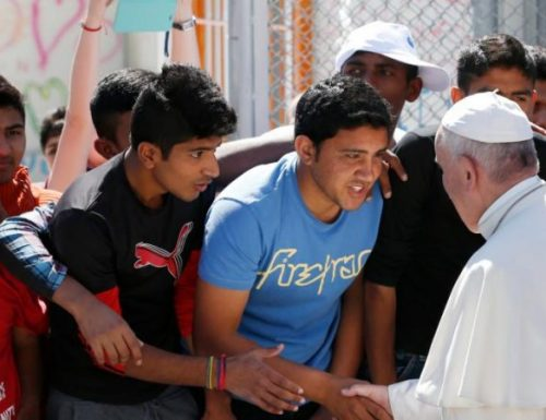 Il Papa ringrazia gli sforzi del Centro rifugiati per aiutare i migranti