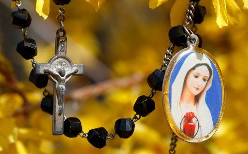 د ورځې وقف: د مریم په پښو کې روح روح