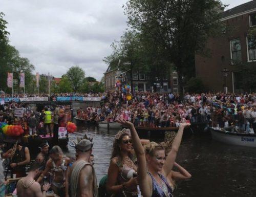 Il Vaticano conferma la sospensione attiva del prete olandese gay; la diocesi spera che torni al ministero