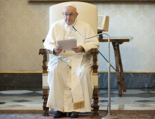 Papa Francesco: la vera preghiera è una lotta con Dio