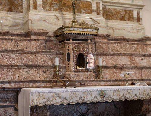 Ihu Padre Pio pụtara na ụlọ ụka San Giovanni Rotondo
