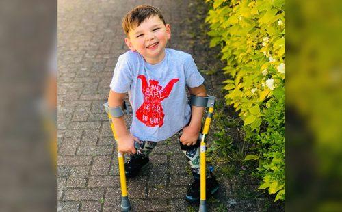 Bambino di 5 anni, raccoglie quasi mezzo milione di dollari per il servizio sanitario britannico