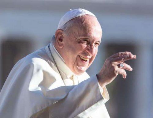 Papa Francesco celebra la Messa in occasione della visita di Lampedusa
