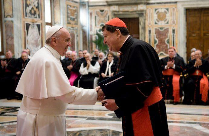 """आधिकारिक वेटिकन प्रणाली धार्मिक के लिए """"वर्चस्व, अधीनता"""" की शिकायत करती है"""
