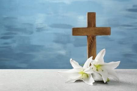 Rifletti, oggi, sulla Croce di Cristo, passa un po 'di tempo a guardare il crocifisso