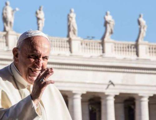 पोप फ्रांसिस एक नए निजी सचिव की नियुक्ति करते हैं