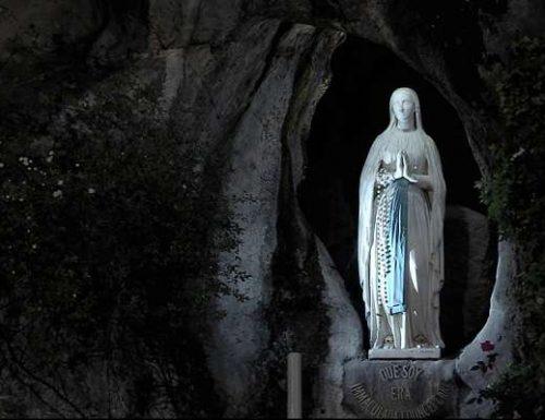 پوپ فرانسس د لمریز لپاره د زیارتونو لپاره د لمونځ کونکو څخه د لمونځ کولو غوښتنه کوي