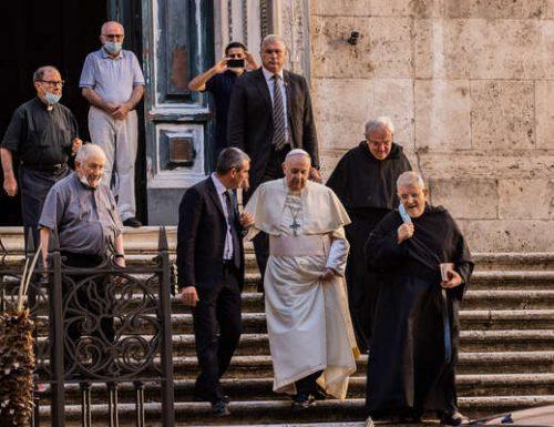 پوپ فرانسس په روم کې د سانټا آګوستینو باسیلیکا ته ناڅاپي لیدنه وکړه