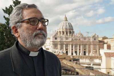 Maafisa wawili wa Vatican wanasaini makubaliano ya kushirikiana katika vita dhidi ya ufisadi