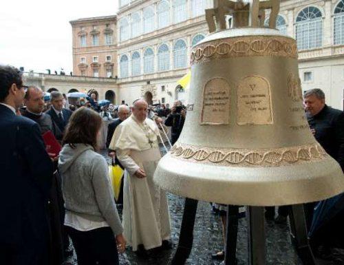 Beatus Franciscus Pontifex tinniant campane per quod impeditur certitudo prolis nasciturae tuendae