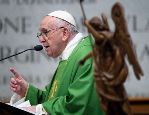 پوپ فرانسیس د سینټ مایکل ارشیفل ته د وفادارۍ خپرولو ته د امرونو غوښتنه کوي