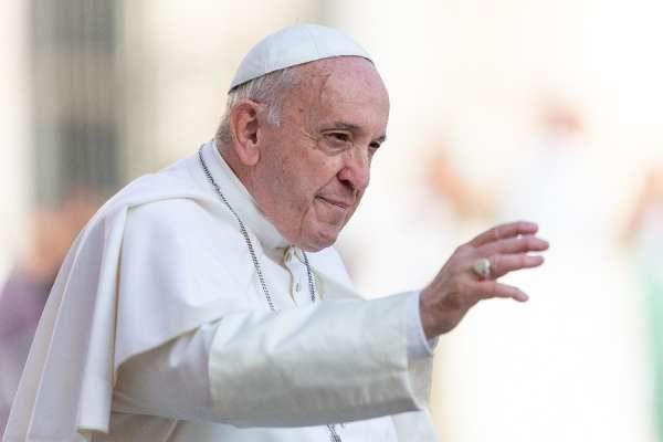 Papa Francesco si lamenta che tonnellate di cibo vengono buttate via mentre le persone muoiono di fame