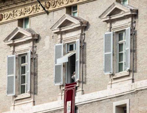 Paus Fransiskus: Hubungi orang miskin