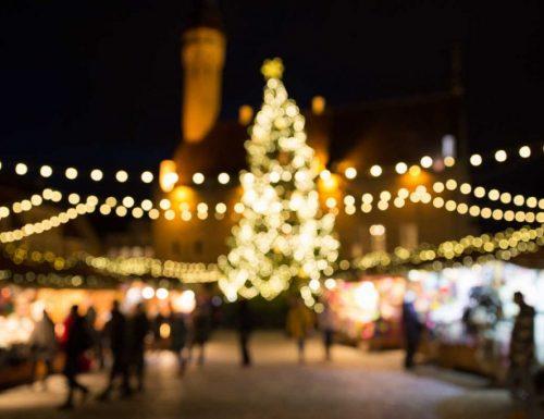 Pompeii: mereka menghindari lampu Krismas dan memberikan seratus ribu euro kepada keluarga yang menghadapi masalah