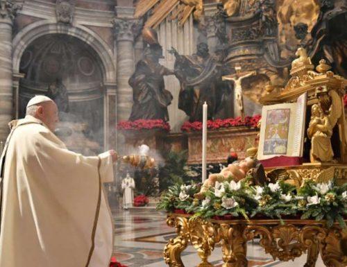 """Папа Фрања на богојављенској миси: """"Ако се не клањамо Богу, клањаћемо се идолима"""""""
