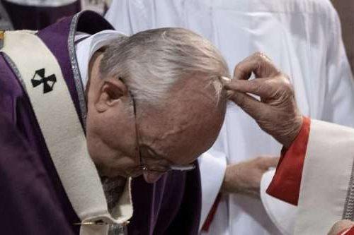 Пепелница 2021: Ватикан нуди смернице о дистрибуцији пепела током пандемије ЦОВИД-19