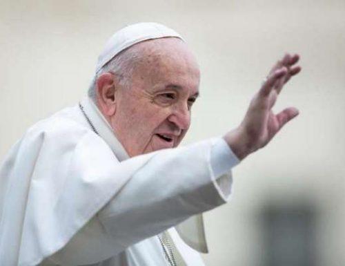 Папа Фрања прима жене у министарства лектора и аколита