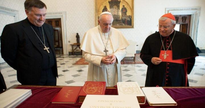"""Causa Covid nessun ritiro in Quaresima per la curia di Roma """"papa Francesco invia un libro a ogni ministro"""""""
