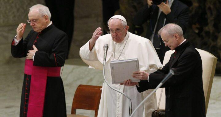 """Esortazione pastorale di papa Francesco """"conversione e cambiamento per i ministri della Chiesa"""""""