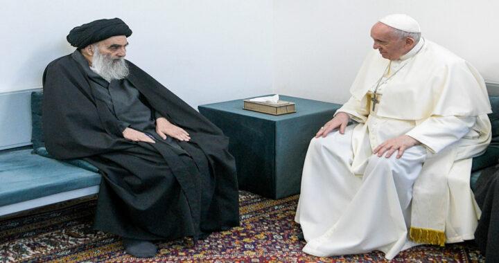 Papa Francesco predica la tolleranza in visita a Ur in Iraq